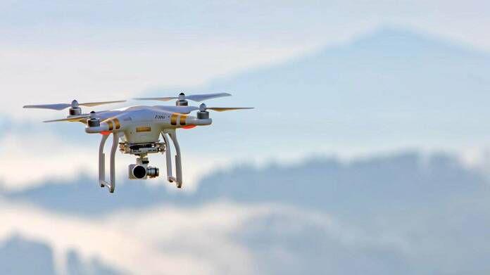 thiet-bi-bay-drone-duoc-ket-noi